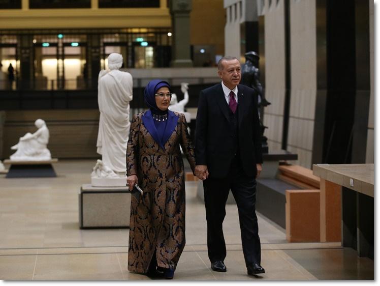 """Cumhurbaşkanı Erdoğan, Paris'te """"Picasso Bleu et Rose"""" sergisini ziyaret etti"""