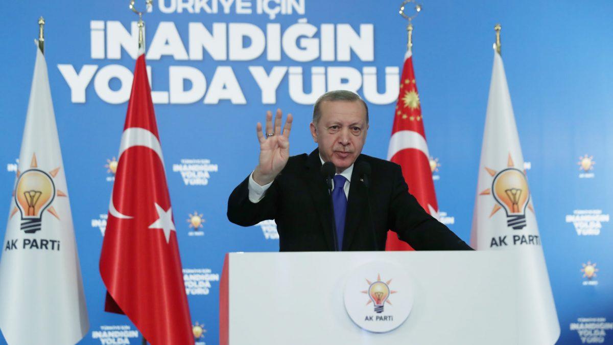 """Cumhurbaşkanı Erdoğan, """"Kadın elinin değdiği, kadın kararlılığının yöneldiği hiçbir işin başarısız olma şansı yoktur"""""""